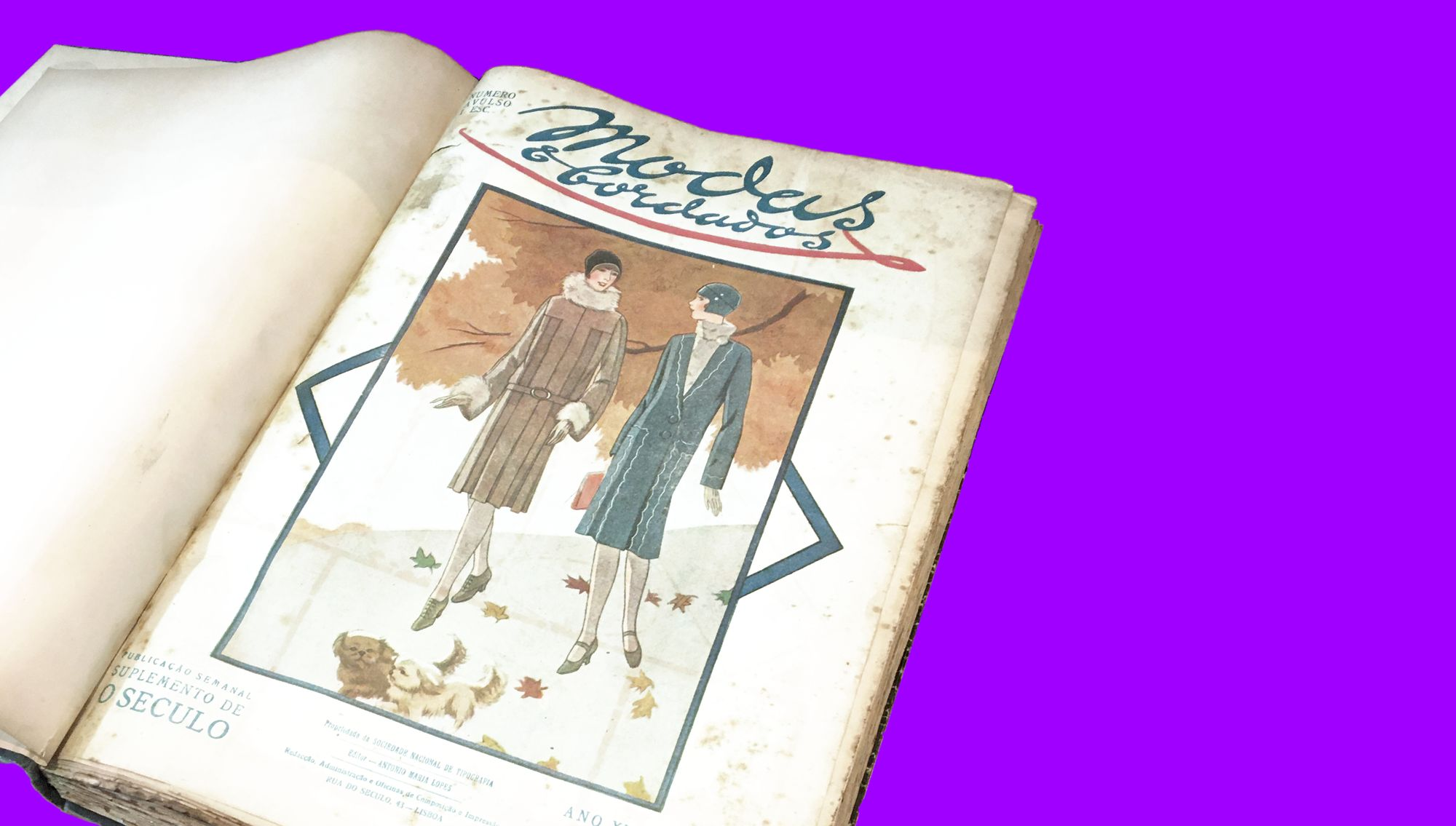 The cover of the first issue of 1928 shows two white, thin, tall women, sporting modern winter coats, smiling and chatting, while walking down an autumnal path led by tiny identical dogs.